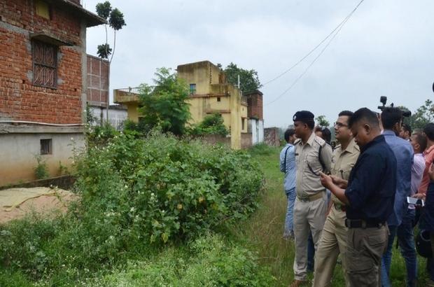 Hindistan'da 7 kişilik aile topluca intihar etti