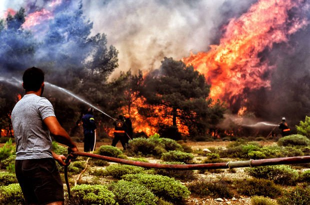 Yunan basını: Türkiye'yi suçlamak için yangını ABD çıkarttı!