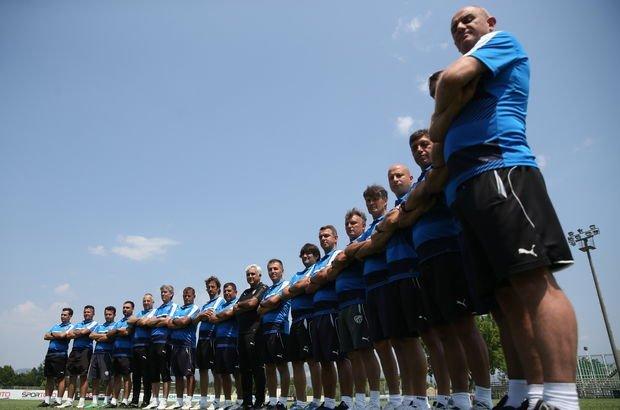 Bursaspor; 27 oyuncuyu A Takım'a dahil etti