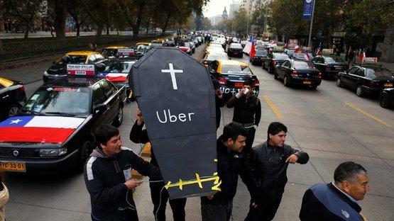 Dünyada UBER protestoları! İspanya'da taksiciler grevde, Şili'de sokaklarda...