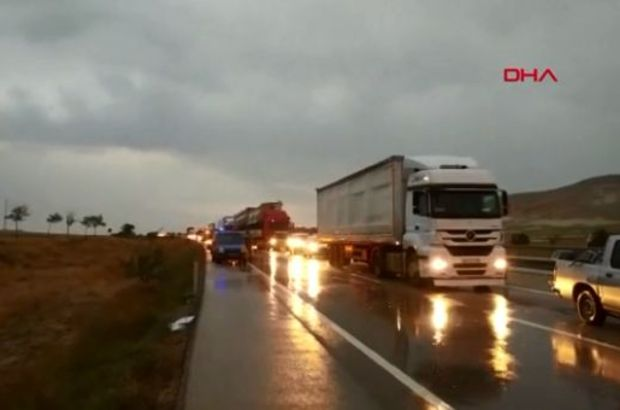 Son dakika... Konya-Ankara karayolunda zincirleme kaza! Yaralılar var