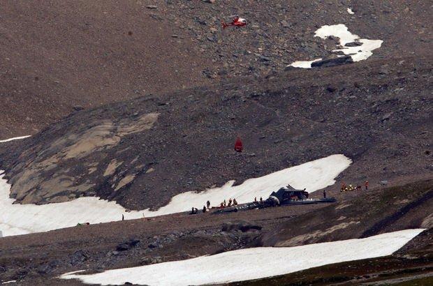 Alp Dağları'nda uçak düştü! Çok sayıda ölü var...
