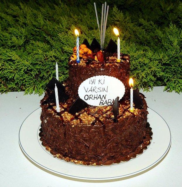 Sevim Emre'den eşi Orhan Gencebay'a romantik kutlama - Magazin haberleri