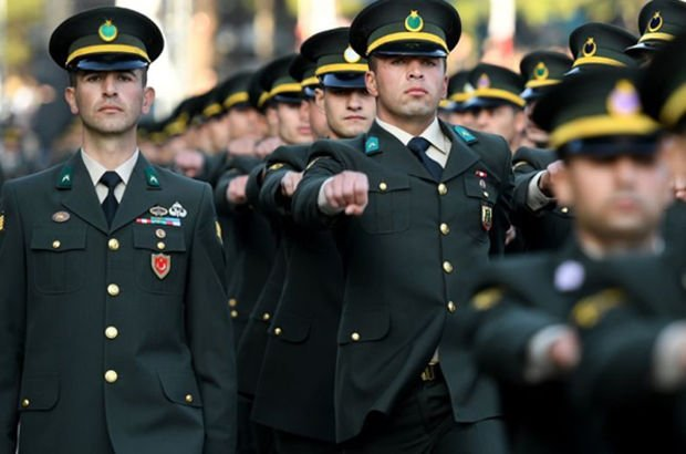 Jandarma muvazzaf astsubay