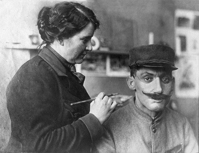 Heykeltıraş Anna Coleman Ladd ve onun yüz maskeleri
