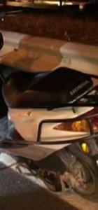 Antalya'da motosiklet refüje çarptı!