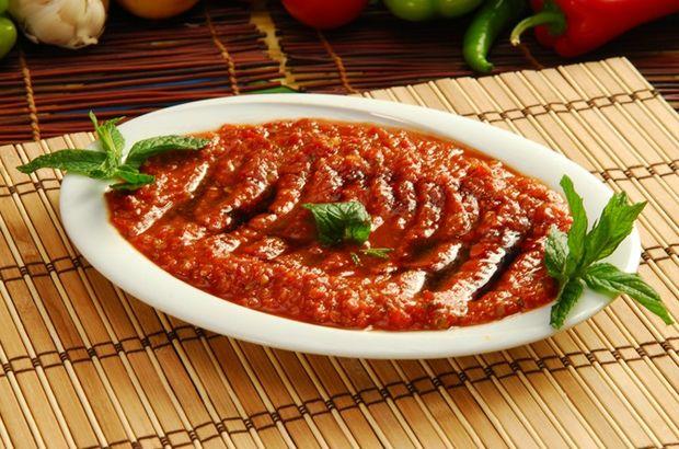 Acılı ezme tarifi: Kahvaltılık sos nasıl yapılır? İşte kahvaltılık acılı ezmenin malzemeleri ve yapılışı...