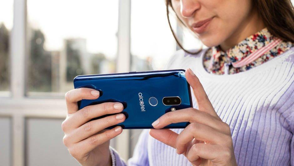 Yüz tanıma teknolojili Alcatel 3V'nin Türkiye fiyatı belli oldu