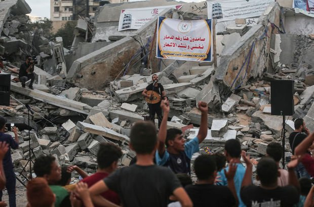 İsrail'in vurduğu sanat merkezinde Gazze'ye destek konseri