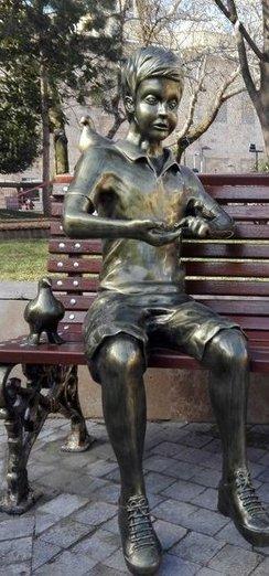 Kitap Okuyan Kız heykelinin yeri belli oldu