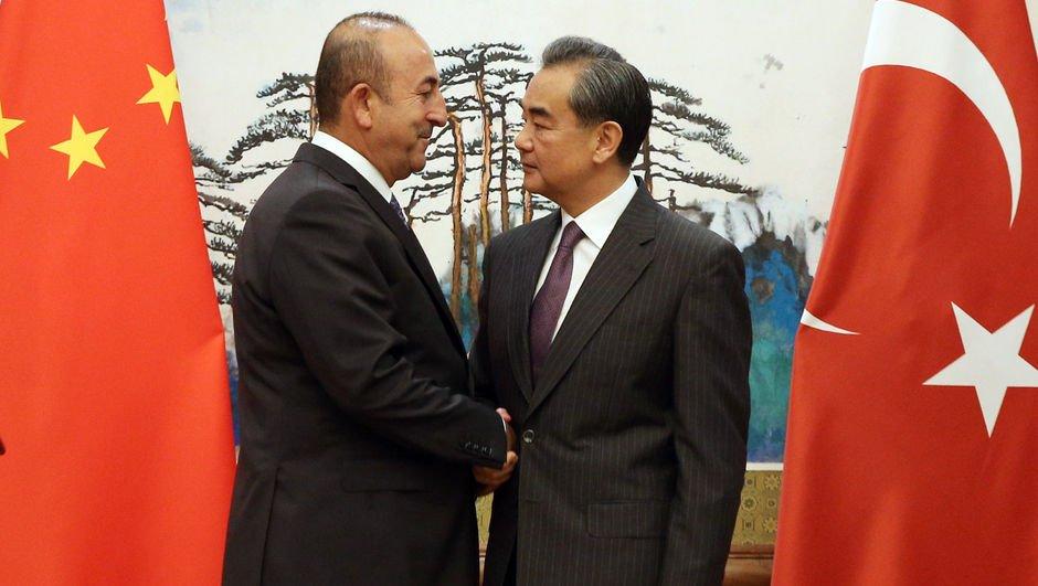 Çavuşoğlu, Çinli mevkidaşı ile görüştü!