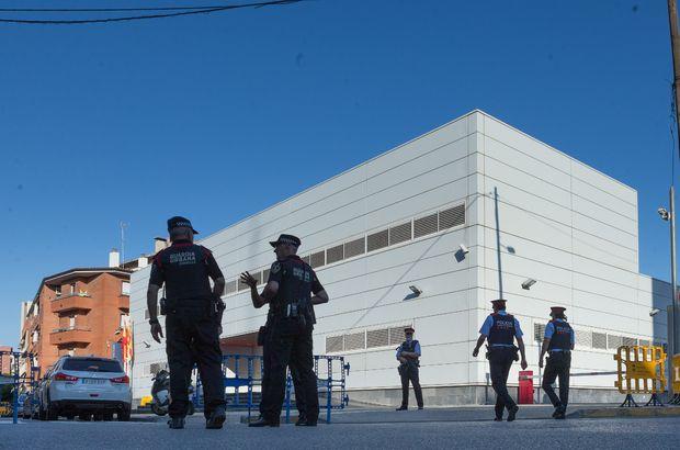 İspanya'da polis merkezine saldırı!