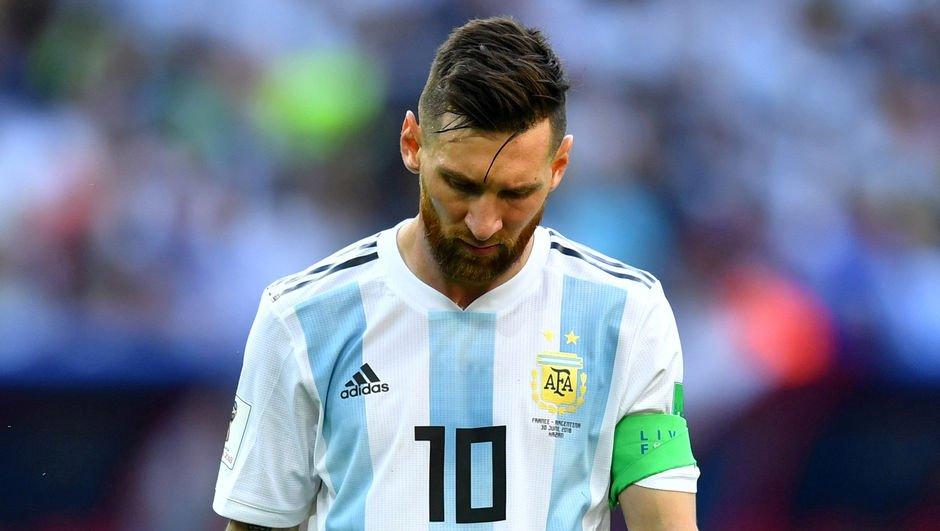 UEFA açıkladı! Messi'ye şok...