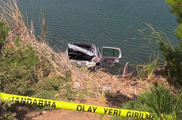 Araç sulara gömüldü, içinden çıkamadılar