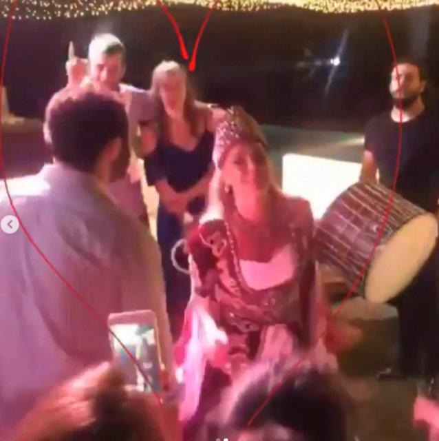 Bengü ile nişanlısı Selim Selimoğlu kına gecesinde döktürdü - Magazin haberleri