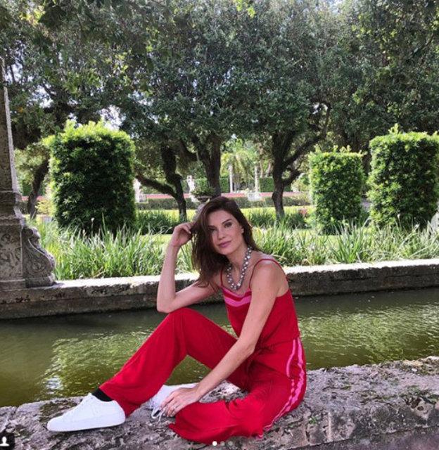 Julia Pereira sahilleri yaktı geçti - Magazin haberleri