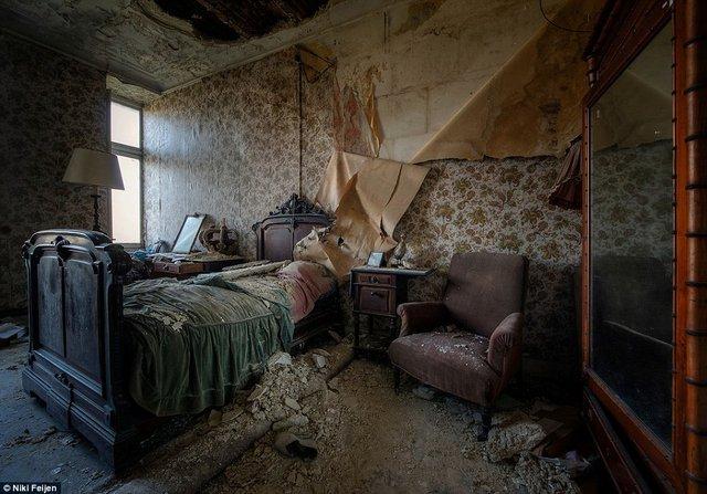 Hollandalı fotoğrafçı Niki Feijen terk edilmiş yerleri karış karış fotoğrafladı