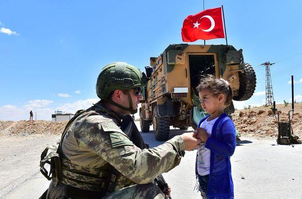 Mehmetçik Menbiç'te devriye atıyor