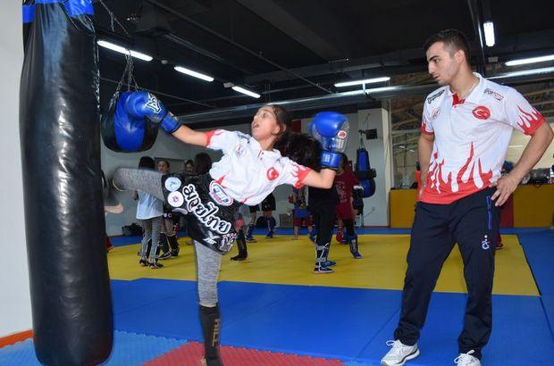 Özel Harekâtçı'danHakkâriliçocuklara 'Muay Thai'