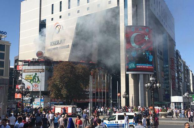 Kızılayda'da yangın! AVM'den dumanlar yükseldi