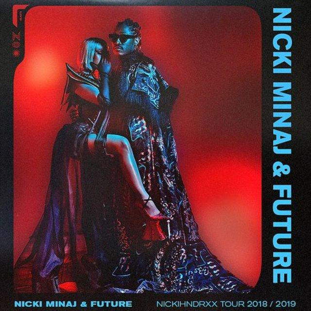 Nicki Minaj elbisesinin azizliğine uğradı - Magazin haberleri