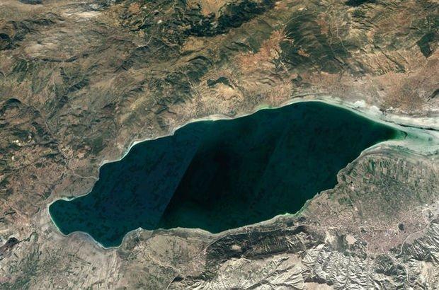 Burdur Gölü'nün gözyaşları! Fotoğrafa yansıdı...