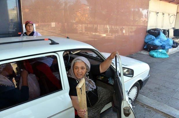 'Ambulans verilmedi' dedi, annesini otomobil bagajında taşıdı!