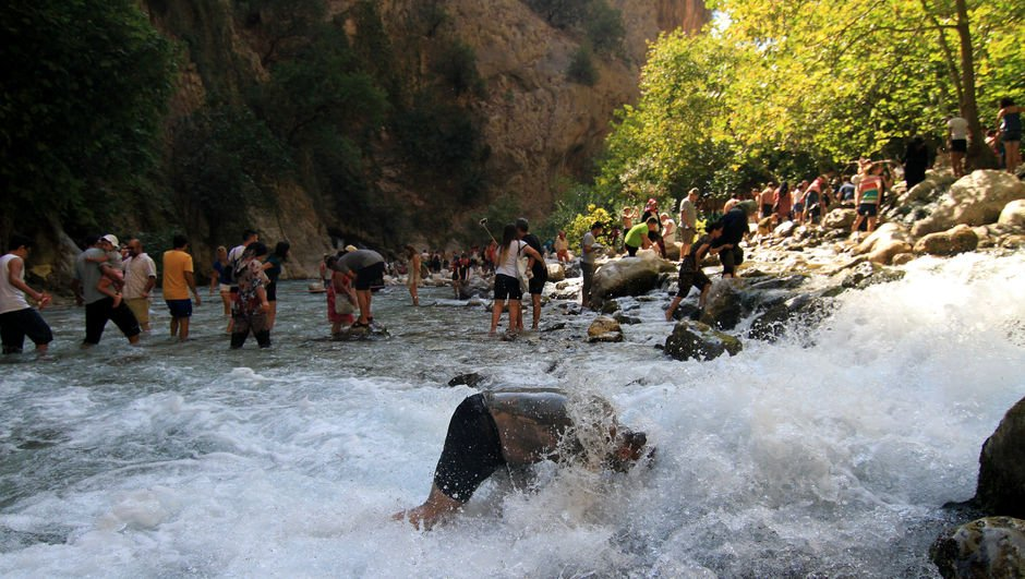 Türkiye'nin doğa harikası! Akın akın turist geliyor!