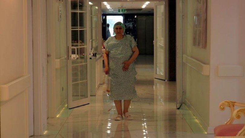 Kayseri'de yapılan ameliyata karnından 25 kilo kitle çıkarılan 54 yaşındaki Şehriban Çetin, ile ilgili görsel sonucu