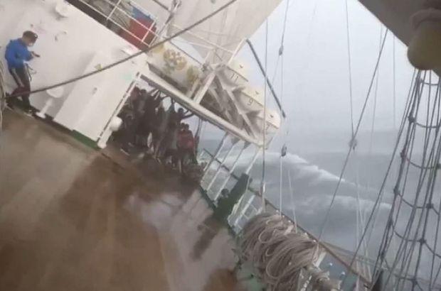 Yolcular dehşeti yaşadı, gemi kaptanı kahkahalara boğuldu!