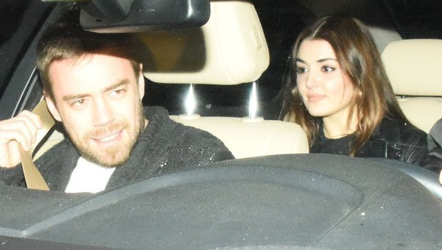 Hande Erçel ile Murat Dalkılıç arasındaki buzlar eridi - Magazin haberleri