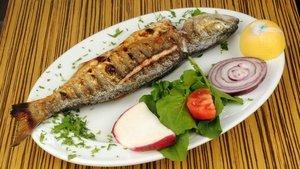 Fırında balık nasıl pişirilir? Fırında balık tarifi…