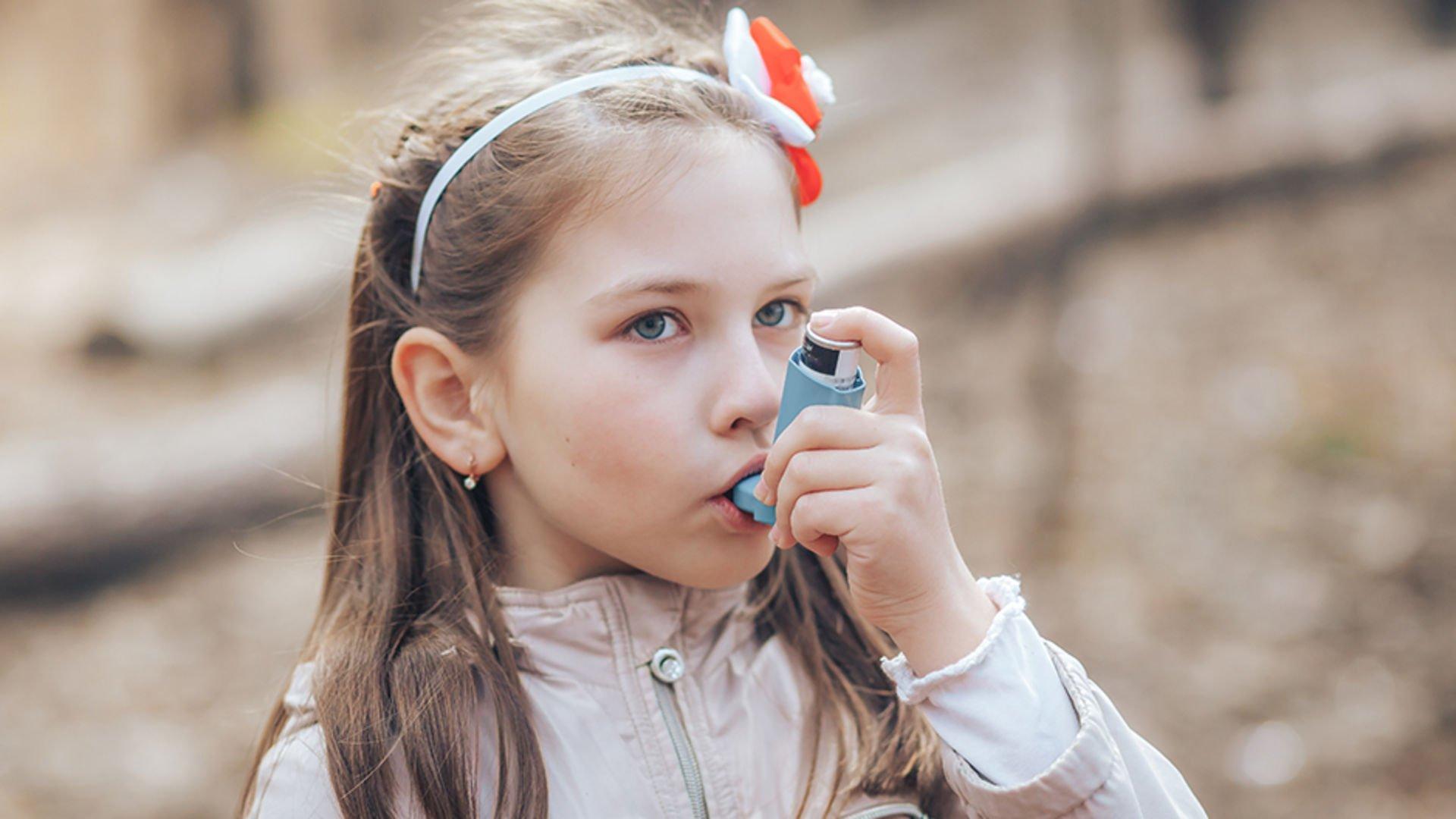 Bir çocuğa öksürme halk ilaçlarıyla tedavi edilir