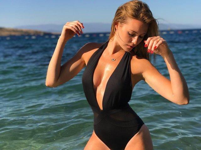 Serdar Ortaç'ın eşi Chloe Loughnan'dan bikinili pozlar - Magazin haberleri