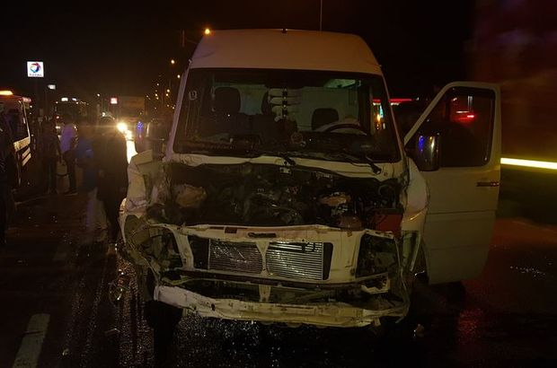 Manisa'da trafik kazası! 8 yaralı