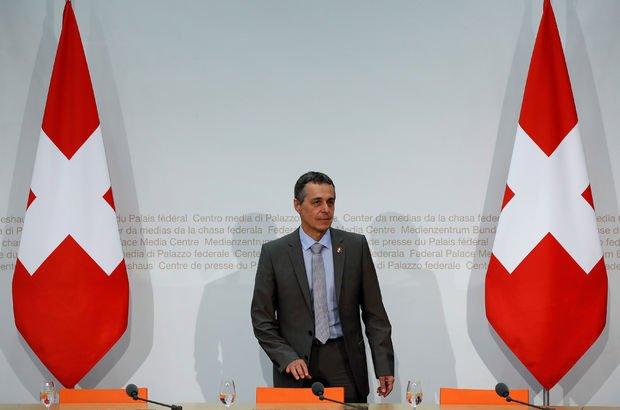 İsviçre, ülkedeki Rus diplomatları gönderiyor!