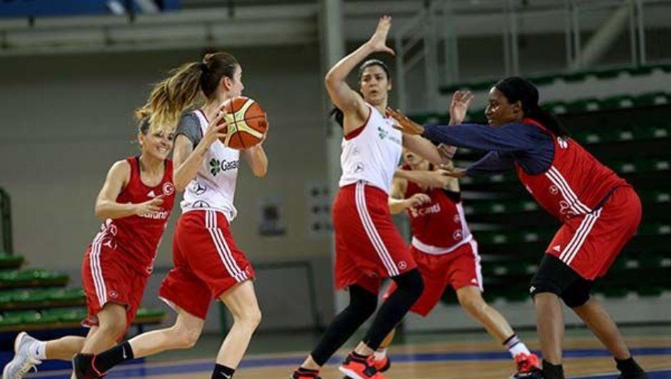 A Milli Kadın Basketbol Takımı, Dünya Şampiyonası öncesinde İstanbul'da son çalışmasını yaptı. Milliler taktik ağırlıklı bir antrenman gerçekleştirdi.