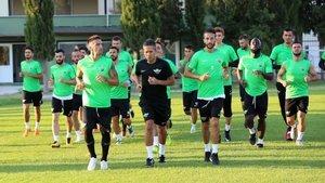 Tarihinde ilk kez katılacağı UEFA Avrupa Ligi'nde J Grubu'ndaki ilk maçta evinde Perşembe günü Rus Krosnodar'ı konuk edecek Akhisarspor, hazırlıklara başladı.