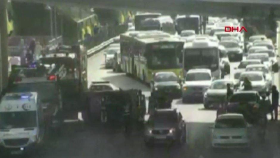 Kadıköy'de feci kaza! Trafik kilitlendi...