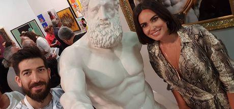Contemporary'de 'Herkül' ile selfie keyfi