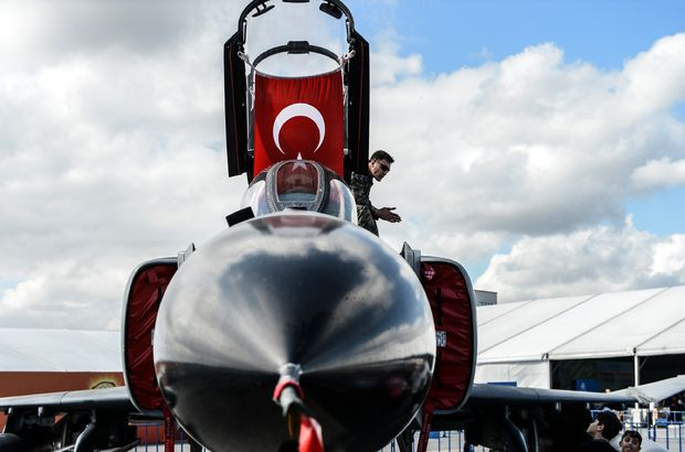 Teknofest F-16'ya karşı motosiklet