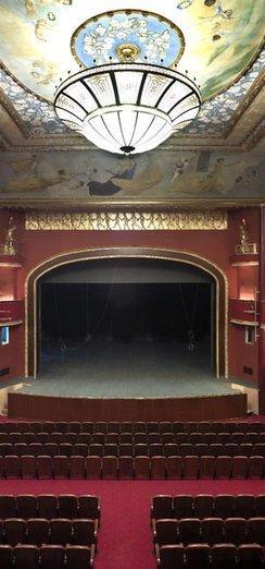 Süreyya Operası perdelerini açıyor