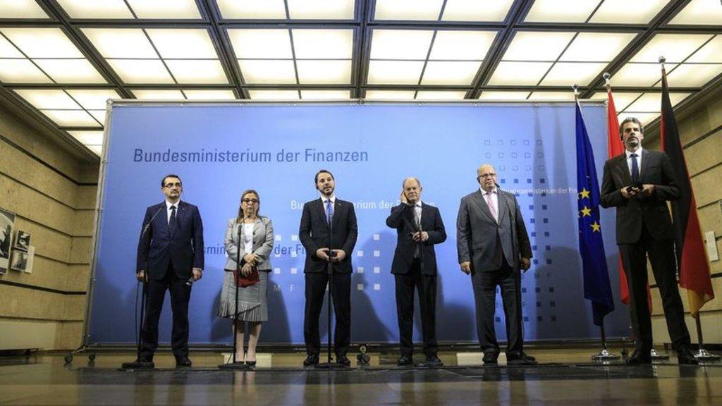 """Ekonomi yönetimi Almanya'da: """"Yeni dönem başladı"""""""