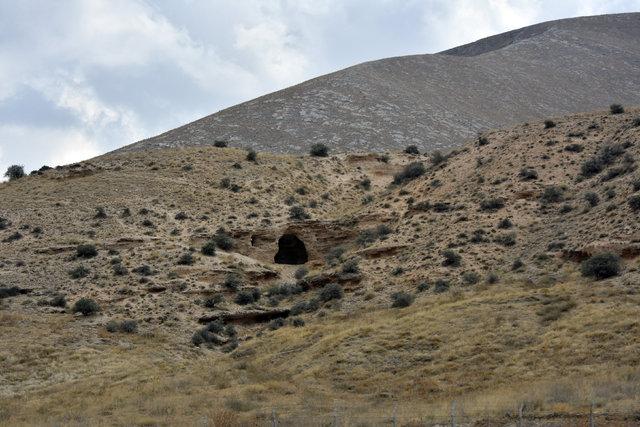 Antik Yollar : Antik Çağdan kalma çift şeritli yol gün yüzüne çıkarılıyor yaşam