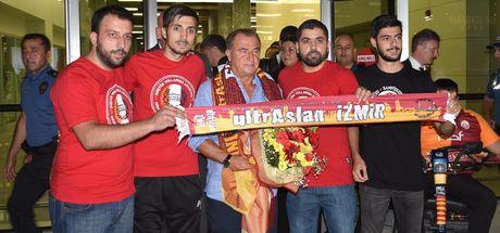 Galatasaray, İzmir'e geldi