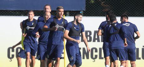 Fenerbahçe derbiye hazırlanıyor