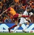 Galatasaray, genç futbolcuları Ozan Kabak ve Yunus Akgün
