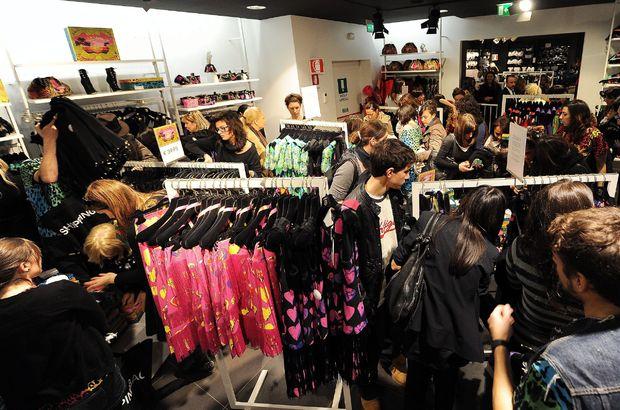 Versace mağaza