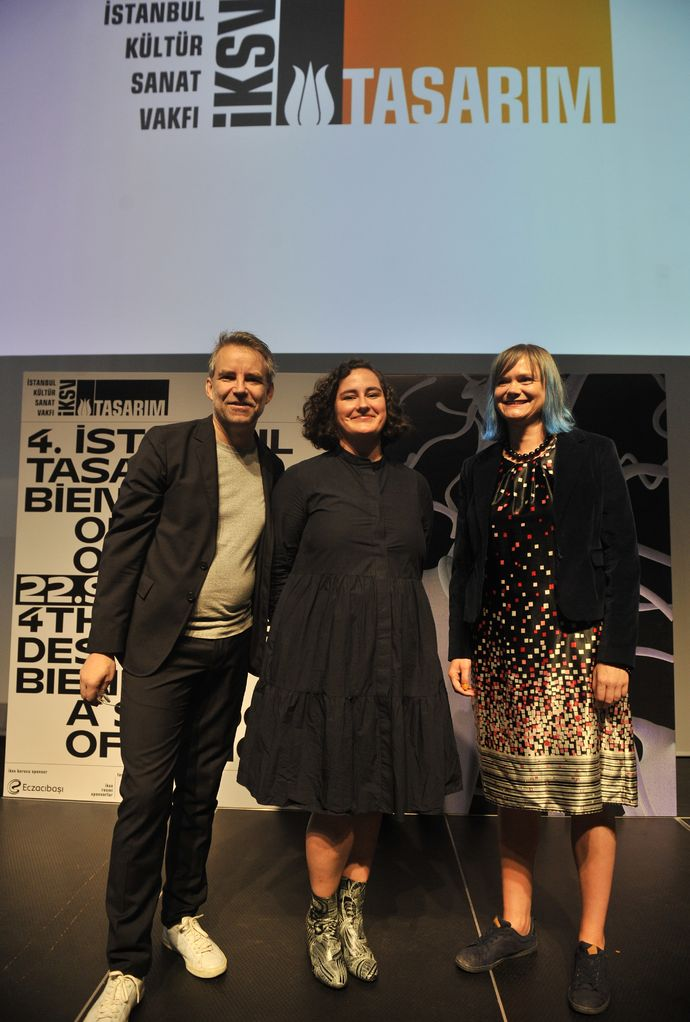 Jan Boelen, Vera Sacchetti ve Nadine Botha (soldan sağa)