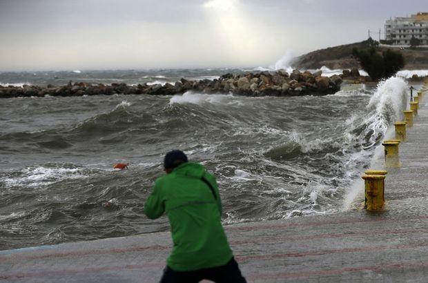 Ege'de Kırbaç fırtınası